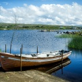 Ein Boot am Lough Meela